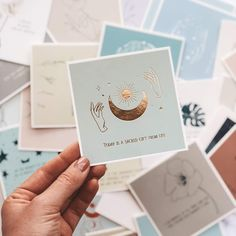 Be You: Affirmation Cards Now Available! Positive affirmations can transform your thoughts so you can create the reality you want. Affirmation Karten, Affirmation Cards, Motivational Cards, Tarot Spreads, Tarot Decks, Deck Of Cards, Card Deck, Positive Affirmations, Wall Collage