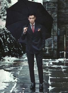 kpop Big Bang top t.p choi seunghyun bigbang k-pop tabi photobook choi seung hyun Choi Seung-hyun BIGBANG TOP from top pictorial records if he looks so good with those clothes imagine how good he'll look without them top in winter clothing kgjthgiket Daesung, T.o.p Bigbang, Bigbang Members, Korean Celebrities, Korean Actors, Zion T, Big Bang Kpop, Bang Bang, Rapper