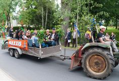 Bergmannsfest in Lehesten/Thür. Wald am 2.7.2017. Der Festumzug des Vereinsverbands Bergmannsfest Lehesten. Hier: MAXXIS. Monster Trucks, Vehicles, Moving Home, Woodland Forest, Car, Vehicle, Tools