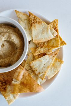 How To Make Homemade Pita Chips — Cooking Lessons from The Kitchn How To Make Chips, Homemade Pita Chips, Baked Pita Chips, Homemade French Fries, Paleo, Pita Bread, Chips Recipe, Snacks For Work, How To Make Homemade