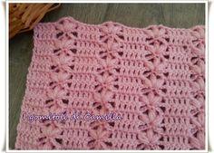 Ho realizzato questo punto con petali in rilievo e maglie alte utilizzando un morbidissimo filato di lana ed un uncinetto numero 3,50