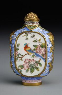 💘💘 Beautiful Scent Bottle 💘💘 中国のエナメル銅スナッフボトル