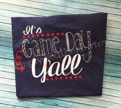 Baseball mom & softball mom shirt & Its by SimplySouthernVinylB Sports Mom Shirts, Softball Mom Shirts, Cheer Shirts, Vinyl Shirts, Baseball Shirts, Softball Cheers, Softball Crafts, Softball Bows, Baseball Stuff