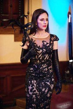 Madeleine Stowe is Victoria Grayson on Revenge Victoria Grayson, Madeleine Stowe, Fashion Tv, Fashion Design, Elegant Gloves, Bodysuit, Leather Gloves, Women's Gloves, Long Gloves