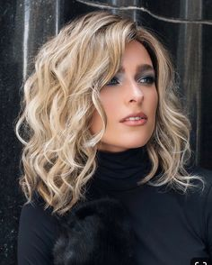 Mila by Jon Renau The Mila Wig by Jon Renau has barely tamed open waves to create a look that combin Medium Hair Styles, Curly Hair Styles, Brown Blonde Hair, Gold Blonde, Medium Blonde, Light Blonde, Medium Brown, Great Hair, Awesome Hair
