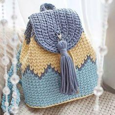 Ideas For Crochet Basket Pattern Chunky Crochet Backpack Pattern, Free Crochet Bag, Crochet Basket Pattern, Crochet Tote, Crochet Gloves, Crochet Handbags, Crochet Purses, Diy Crochet, Crochet Crafts