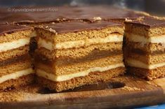 Honey cake with filling. Recipes with photos of delicious cakes. Russian Desserts, Russian Recipes, No Bake Desserts, Just Desserts, Honey Cake, Cake Fillings, Sweets Cake, Sweet And Salty, Desert Recipes