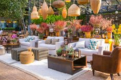 Lounge Party, Wedding Lounge, Wedding Furniture, Outdoor Furniture Sets, Outdoor Decor, Modern Cafe, Lounges, Garden Cafe, French Cafe