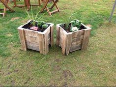 Building a pallet planter - YouTube