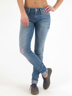 Serena Super Skinny Fit Light Cloud Portland Jeans for women by Mavi