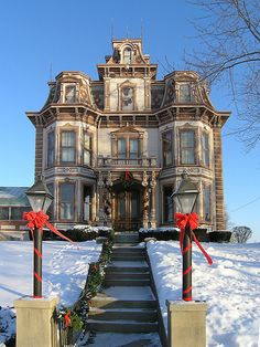 Gaar Mansion at Christmas  I like how it has that creepy/haunted house esque feel yet it still looks kinda charming