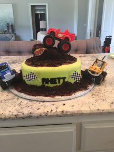 may birthday ideas Blaze Birthday Cake, Cookie Cake Birthday, May Birthday, 6th Birthday Parties, Birthday Ideas, Torta Blaze, Blaze Cakes, Grave Digger Cake, Truck Cakes