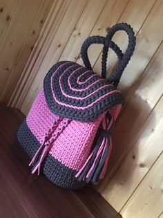Cute Crochet, Crochet Crafts, Knit Crochet, Crochet Handbags, Crochet Purses, Leather Bags Handmade, Handmade Bags, Crochet Designs, Crochet Patterns