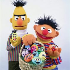 Happy Easter to all of our egg-traordinary friends! Sesame Street Muppets, Sesame Street Characters, Cartoon Characters, Sesame Street Place, Bert & Ernie, Fraggle Rock, The Muppet Show, Easter Parade, Jim Henson