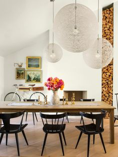HGTV Magazine takes you on a tour of a freewheeling California ranch house bursting with fun, try-this-at-home inventiveness.