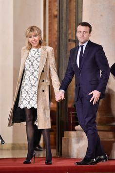Emmanuel Macron : soutenu par Brigitte, la « femme de » qui a tout quitté par amour