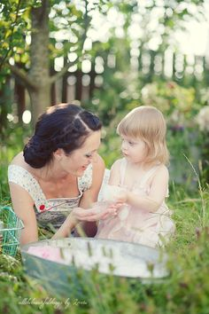 old fashioned updo, mother and daughter, so adorable! washtub