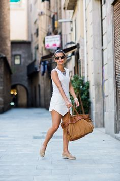 www.collagevintage.com #fashion #style #collagevintage #fashionblogger #outfit #look #white #skort #zara