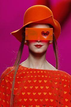 Heart framed glasses by Agatha Ruiz de la Prada, A/W 2011 - Carefully selected by GORGONIA www. Fashion Art, High Fashion, Fashion Show, Womens Fashion, Fashion Design, Fashion Details, Prada, Streetwear, The Blues Brothers
