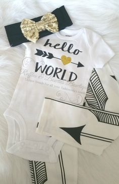 This perfect sparkle onesie for your new baby girl, will make her the talk of the town or Hospital. She will twinkle & sparkle in our precious onesies... *Please wash your shirt inside out. Hand wash