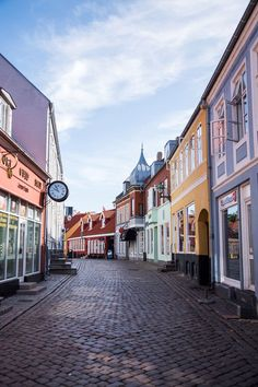Ebeltoft, Denmark is a beautiful little village in Jutland, and I fell in love with the colorful cobblestone streets and sunny harbor! Denmark Landscape, Places To Travel, Places To Visit, Travel Diys, Travel Destinations, Denmark Travel, Denmark Europe, Romantic Vacations, Aarhus