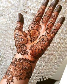 Bridal Henna Mehndi Designs for Full Hands Henna Hand Designs, Dulhan Mehndi Designs, Mehandi Designs, Mehndi Designs Finger, Khafif Mehndi Design, Floral Henna Designs, Latest Arabic Mehndi Designs, Mehndi Designs For Girls, Mehndi Designs For Beginners