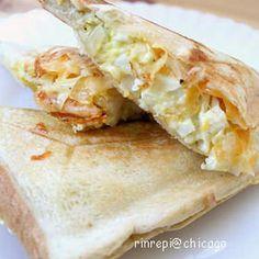 キャベたまホットサンド Lasagna, Potato Salad, Sandwiches, Lunch, Bread, Cheese, Cooking, Ethnic Recipes, Junk Food