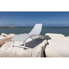 http://www.vivalagoon.com/2656-12612-thickbox_default/pesaro-sun-lounger.jpg #sunloungers #loungerfurniture #outdoor #outdoorliving #pools #contemporary #loungechair #daybed