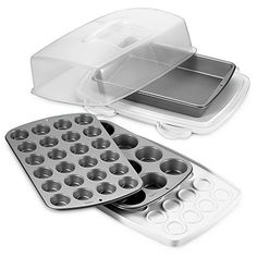 Wilton Ultimate Bake and Carry 6Piece Bakeware Set *** See this great product.(This is an Amazon affiliate link)
