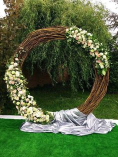 35 Rustic Wedding Decorations You Must Have A Look---diy rustic wedding decorati. 35 Rustic Wedding Decorations You Must Have A Look---diy rustic wedding decorations with floral backdrop for outdoor cer. Outdoor Wedding Decorations, Ceremony Decorations, Arch Decoration, Outdoor Weddings, Decor Wedding, Wedding Ceremony Flowers, Wedding Bouquets, Wedding Mandap, Wedding Chairs