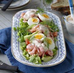 Räksallad med avokado och ägg | Året Runt Baby Food Recipes, Salad Recipes, Diet Recipes, Cooking Recipes, Healthy Recipes, Food N, Food And Drink, Shrimp Dishes, Recipe For Mom