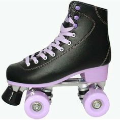 Retro Roller Skates, Roller Skate Shoes, Quad Roller Skates, Roller Skating, Rollers, Snowboard Girl, Skate Girl, Girls Football Boots, Skateboard Girl