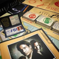 Always dubious of TV / movie game tie ins, but #TheXFiles game is actually pretty good, not great, but definitely good. Who is watching the new episodes? #XFilesGame #xfiles #xfilesboardgame  #xfiles2015 #scully #mulder #idw #boardgamer #tabletop #tabletopgamer #tabletopgame #boardgame #bgg #boardgamegeek #juegodemesa #gamesnight #boardgames #lonegunmen #danascully #foxmulder #schwa