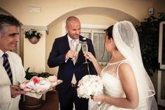 Sposarsi in Sardegna, un brindisi offerto dal nostro maitre - Cerimonia all'Hotel Gabbiano Azzurro