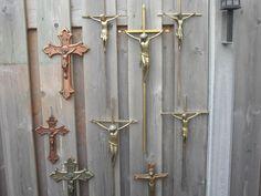 Online veilinghuis Catawiki: Mooie verzameling crucifixen - koper - brons - 20e eeuw.