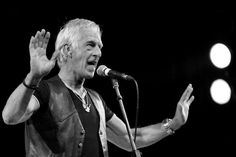 Chris Allen - singing with The Troggs at Agiotfest 2013