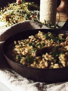 porcini mushroom risotto recipe from the Gourmet Mag, an Italian food magazine based in Rome Vegetarian Italian Recipes, Italian Pasta Recipes, Gourmet Recipes, Quinoa, Mushroom Risotto, Risotto Recipes, Mushroom Recipes, Mediterranean Recipes, Rice