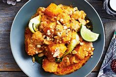 Chicken, squash and all the exotic flavours of a restaurant-style Thai curry mingle in this scrumptious slow cooker main. Serve over steamed jasmine rice and garnish with lemon or lime wedges to squeeze over top.