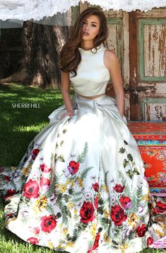 Sherri Hill Style 50270: Two-piece, prom dress, floral, buttoned back, light green. Colors available: light green print.