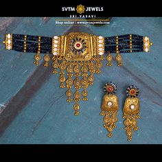 Be more attractive by wearing this traditional gold Choker and matching earring studded with Mozonite Stones and hanging gold Drops. Jewelry Design Earrings, Bead Jewellery, Amrapali Jewellery, Necklace Designs, Gold Bangles Design, Gold Jewellery Design, Gold Wedding Jewelry, Gold Jewelry, Gold Mangalsutra Designs