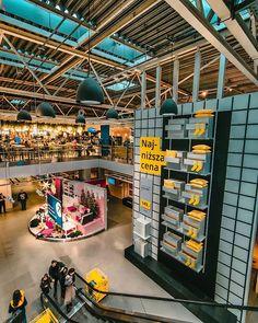 48/365 Poznań w środku tygodnia bywa przyjemnym miastem.       #bobiko365  #project365  #oneplus7t  #building #warehouse #supermarket #poznanwartpoznania #retail #city #architecture #inventory  #shoppingmall #commercialbuilding #outletstore #ikea #poznanmiastodoznan #ikeapolska #instatravel #instapoznan #igerspoznan #beforexmas .  OnePlus 7T Times Square, Ikea, Basketball Court, Instagram, Ikea Co