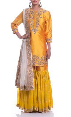 tm9 Pakistani Formal Dresses, Pakistani Outfits, Indian Dresses, Indian Outfits, Pakistani Gharara, Gharara Designs, Evening Dresses For Weddings, Indian Couture, Indian Designer Wear
