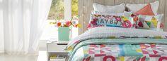 Splash of colour in this wonderful duvet set Home Decor Online, Duvet Sets, Bed Covers, Color Splash, Home Furniture, New Homes, Colour, Blanket, Design