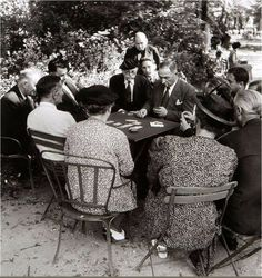 French writers in the cafe de flore jean paul sartre at for Au jardin de jean pierre