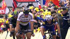(1) Twitter - Peter Sagan wins Stage 2 and leads overall (Yellow jersey)