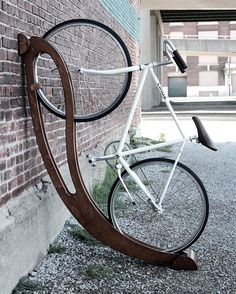 "4,045 curtidas, 15 comentários - db - design bunker (@designbunker) no Instagram: ""Curved bike rack by @periproducts #projeto #projekt #dizayn #bikes #bike #bikeride #biking…"""