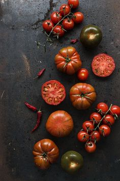 Food photography styling | Tomatoes | Dark and moody | Sweet And Sour - Virginia Martín Orive