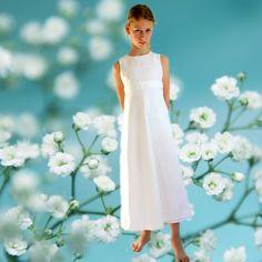Kommunionkleid Baumwolle weiß #München #buylocal #Kommunion #Mädchen One Shoulder Wedding Dress, White Dress, Wedding Dresses, Handmade, Fashion, Dresses For First Communion, First Holy Communion, Fashion Styles, Communion Hairstyles