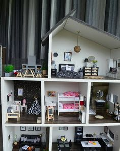 Mind-blowing photo - check out our story for more designs! Girls Dollhouse, Modern Dollhouse, Dollhouse Dolls, Mini Doll House, Barbie Doll House, Diy Barbie Furniture, Dollhouse Furniture, Princess Doll House, Doll House Crafts