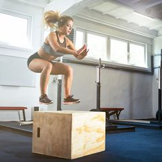 How to Crush Box Jumps—Plus, a Workout That'll Hone Your skills It packs all the benefits of a strength and cardio workout into one killer move. Box Jump Workout, Intense Cardio Workout, Cardio Routine, Post Workout, Fun Workouts, At Home Workouts, Body Workouts, Plus Fitness, Fitness Goals